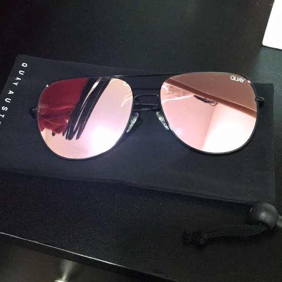 73495aca45ad EUC Quay living large mirrored sunglasses. M 5a8125c0caab44929b3665fa.  Other Accessories ...